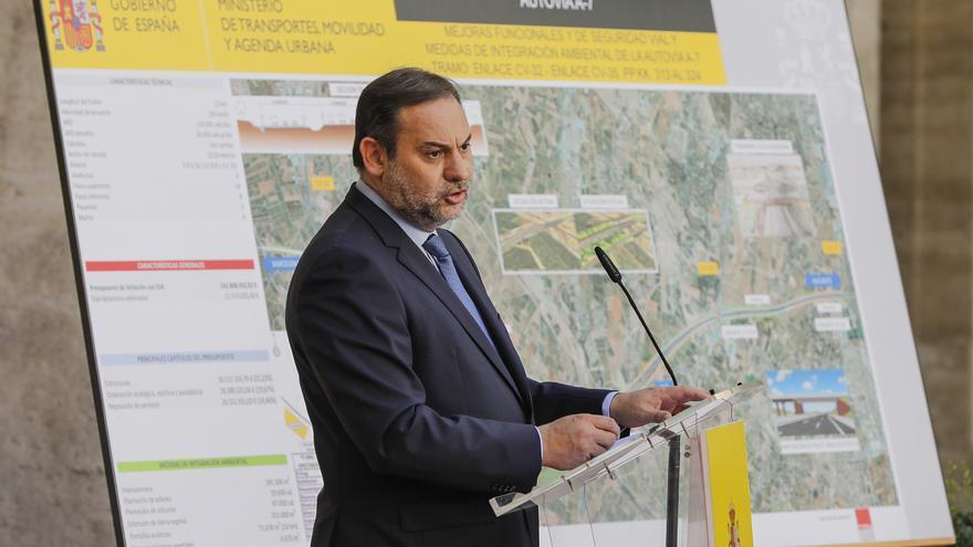 El ministro de Transportes, José Luis Ábalos, presenta un proyecto de infraestructuras en València
