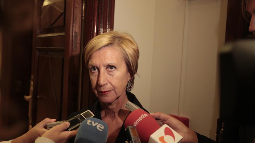 Rosa Díez advierte a Mas que si no cumple la ley, el Gobierno le sancionará como hace la Generalitat con los catalanes
