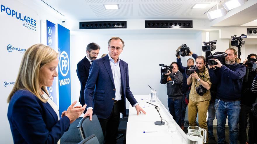 """Fernández asegura que Iturgaiz contará con """"la lealtad y el respaldo"""" del PP vasco, que tiene que """"mirar al futuro"""""""