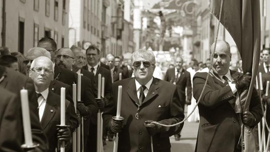 Procesión con participación de miembros de la Hermandad de la Esclavitud del Cristo, en una foto de archivo