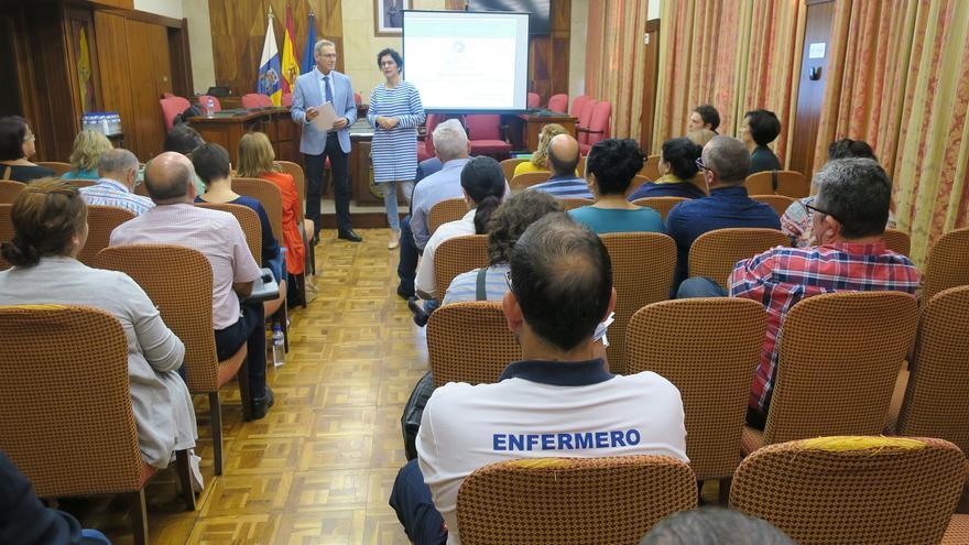 Fotografía de archivo del acto de presentación de la adhesión del Cabildo de La Palma a la Estrategia de Promoción de la Salud y de la Prevención del SNS.
