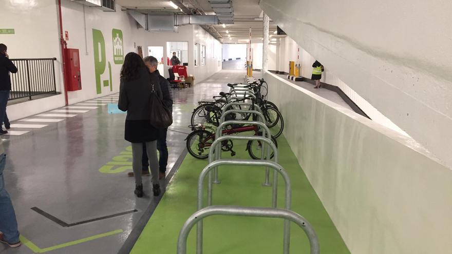 La zona habilitada para bicicletas en el aparcamiento subterráneo de Ciudad de Brujas, en Valencia