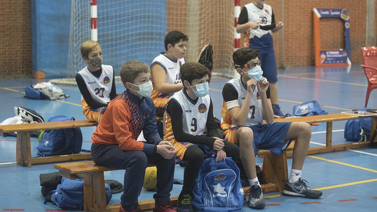 Jugadores del Ciudad de Córdoba durante el II Torneo por la Igualdad.