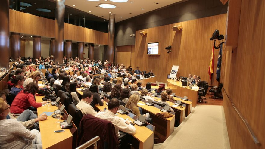 Sala Ernest Lluch del Congreso de los Diputados durante la celebración del foro sobre protección felina organizado por la APDDA. Foto: José María Balagué