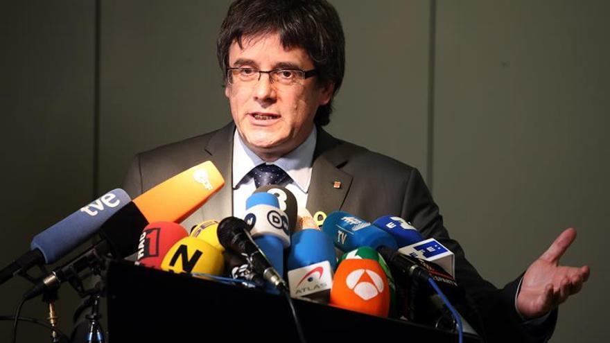 El abogado de Puigdemont pide revocar la orden de detención en Alemania
