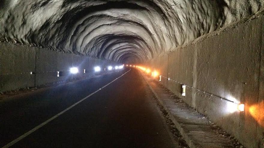 En las imagen, ilumniación LED en el interior del túnel del Envetadero.