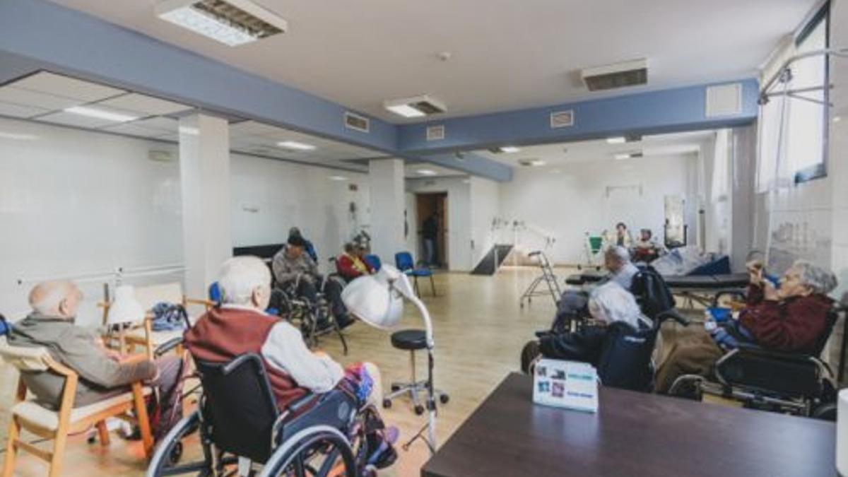 Doce centros de la región tienen casos activos entre los residentes y trabajadores.
