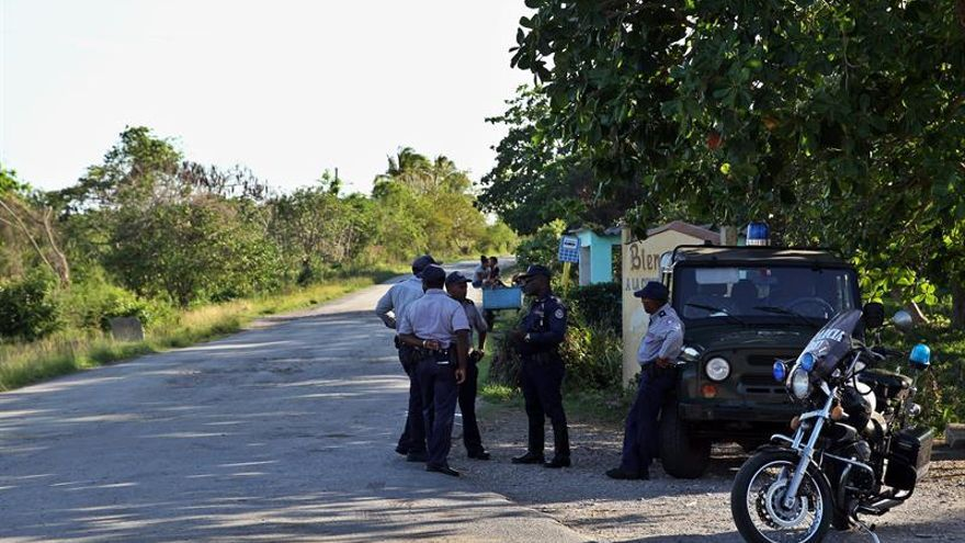 "Ocho militares mueren en Cuba en un accidente de avión por ""un fallo técnico"""