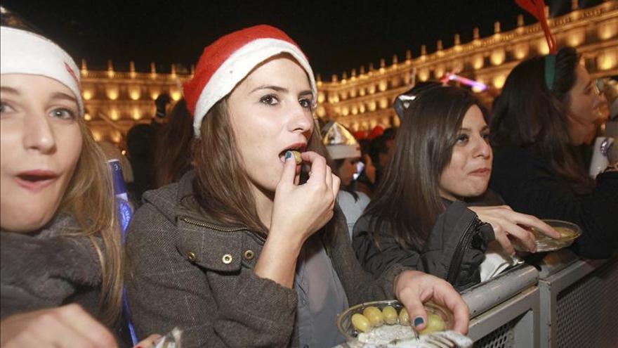 Más de 45.000 personas celebran la Nochevieja Universitaria en Salamanca