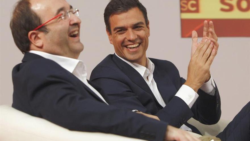 """PSOE y PSC acuerdan """"oferta política"""" para abrir nuevo escenario en Cataluña"""