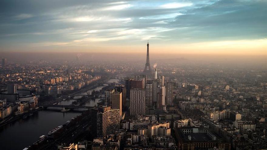 La torre Eiffel cierra al público por segundo día consecutivo por una huelga