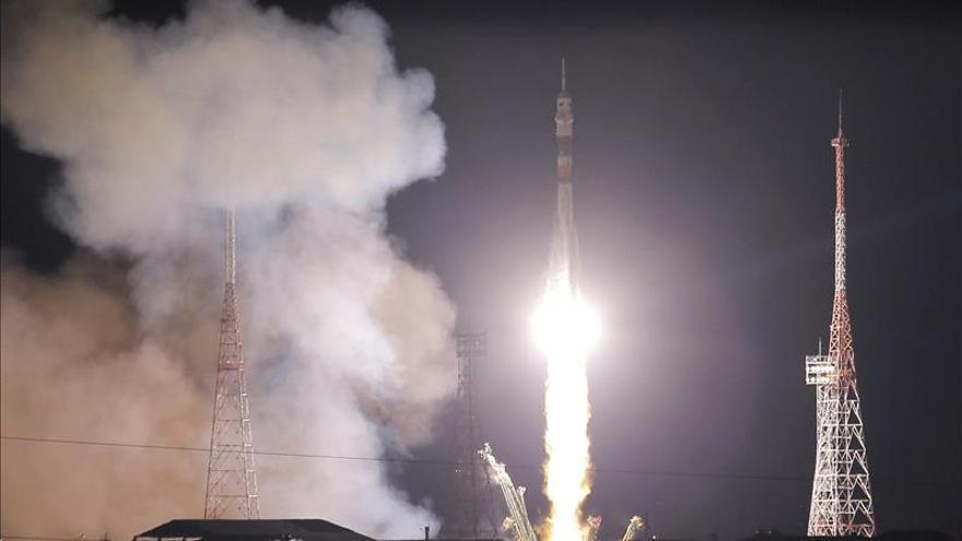 La nave tripulada rusa Soyuz TMA-15M despega rumbo a la EEI