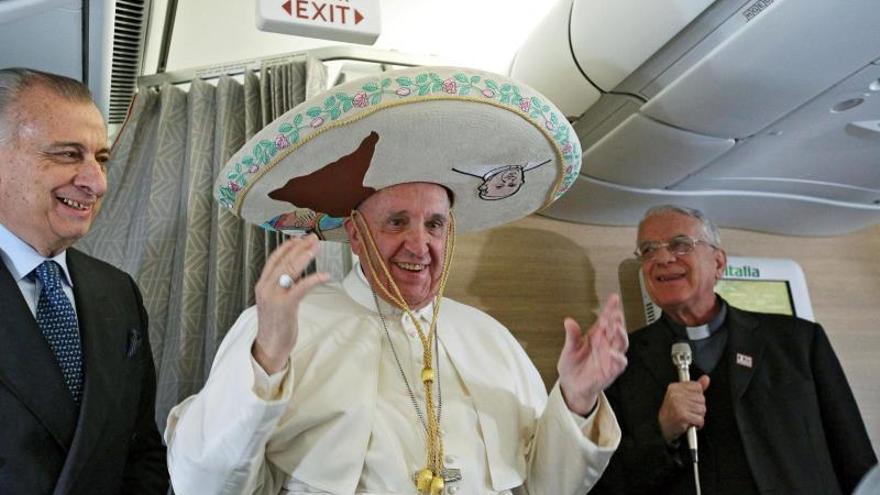 Cantinflas y un sombrero mexicano 6240751a8aa