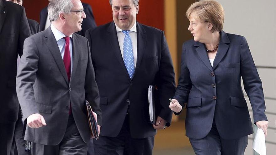 Berlín reforzará la acogida de refugiados ante el récord de solicitantes