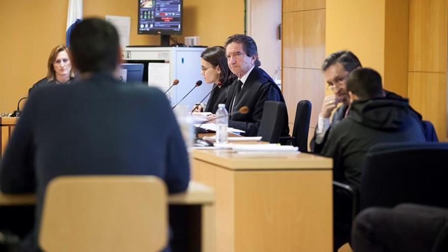 Un momento de la vista oral celebrada este martes en la Audiencia Provincial, en Santa Cruz, con la declaración de uno de los testigos