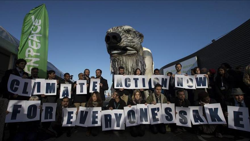 """Greenpeace critica a los países por """"jugar al póquer"""" con el futuro de la humanidad"""