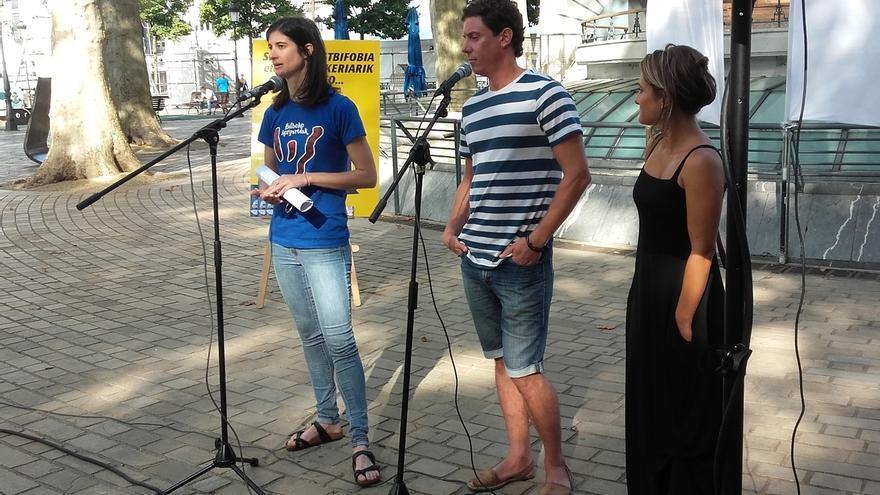 """Bilboko Konpartsak y Etorkintza Elkargoa advierten del riesgo de consumo de alcohol en fiestas, """"sin juzgar a nadie"""""""