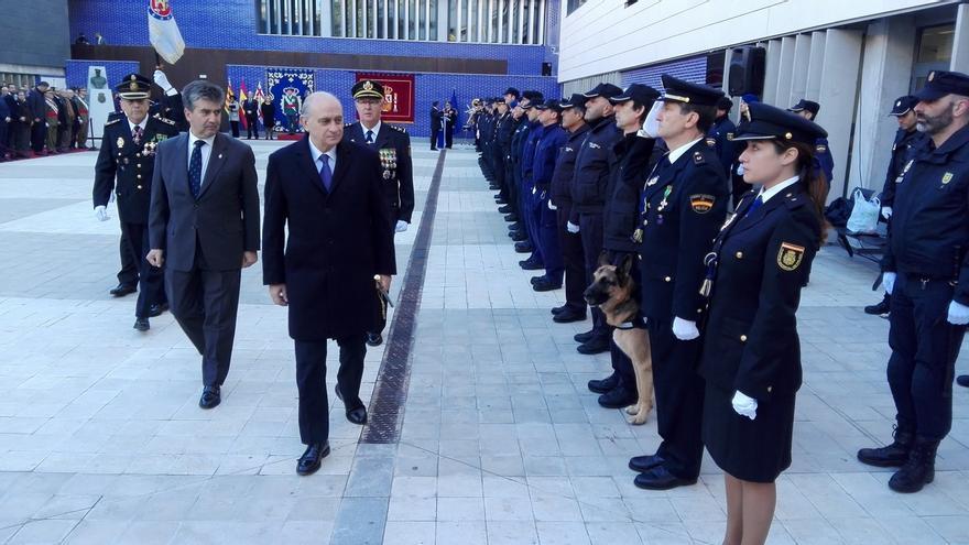Los sindicatos critican a Interior por no informar sobre los beneficiarios de las medallas policiales