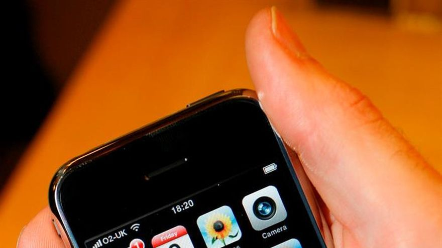 Los pediatras detectan más uso de móvil en los niños y alertan del riesgo de adicción