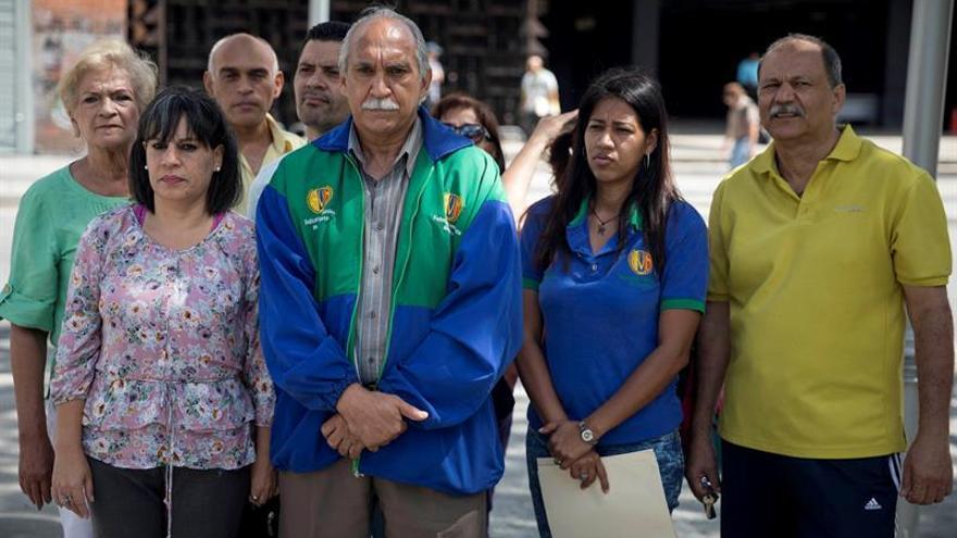 """Maestros venezolanos declaran la """"emergencia"""" y amenazan con acciones sindicales"""