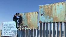 """Las primeras personas de la caravana migrante llegan a la frontera de EEUU: """"Este muro lo voy a pasar"""""""