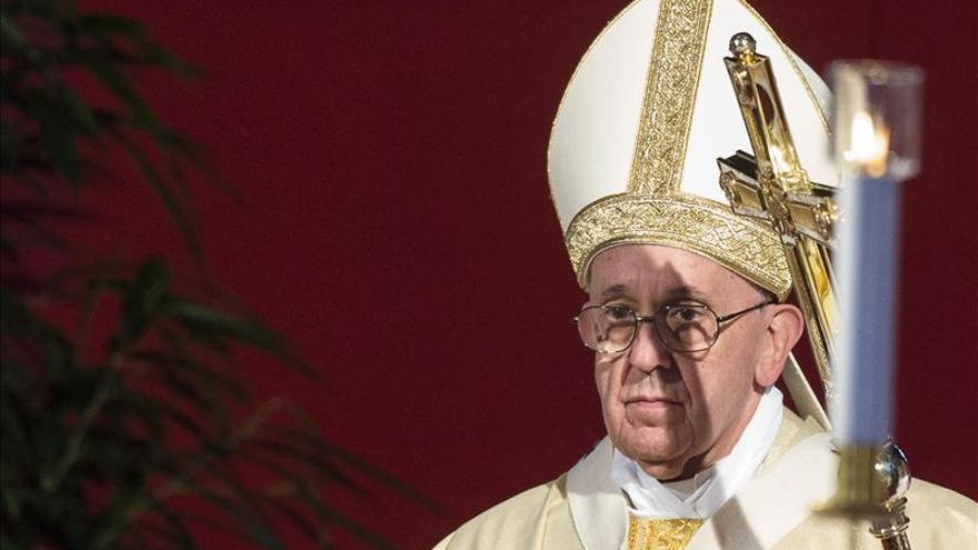 El Papa traza la vía al Cielo y a la felicidad y critica a quienes meten cizaña