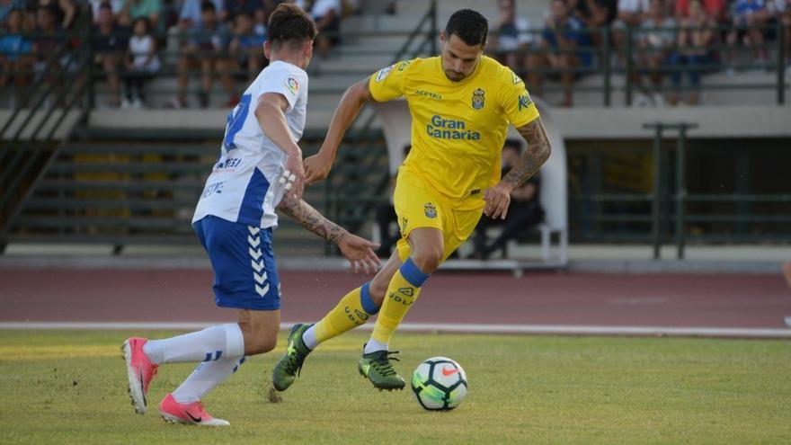 Ida del encuentro de la Copa Mahou entre el Tenerife y Las Palmas