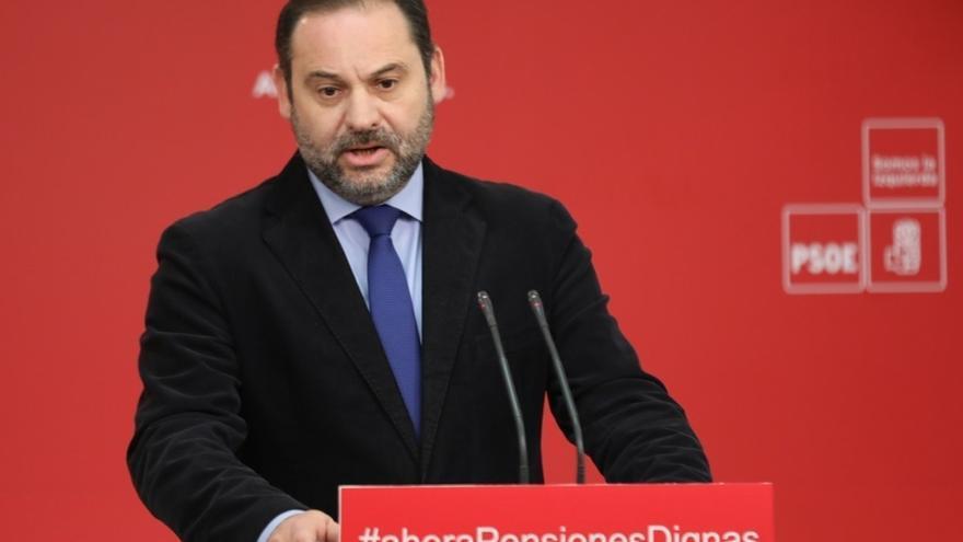 """Ábalos ve """"absurdo"""" y """"propio del delirio independentista"""" que Puigdemont quiera ser investido desde Bruselas"""