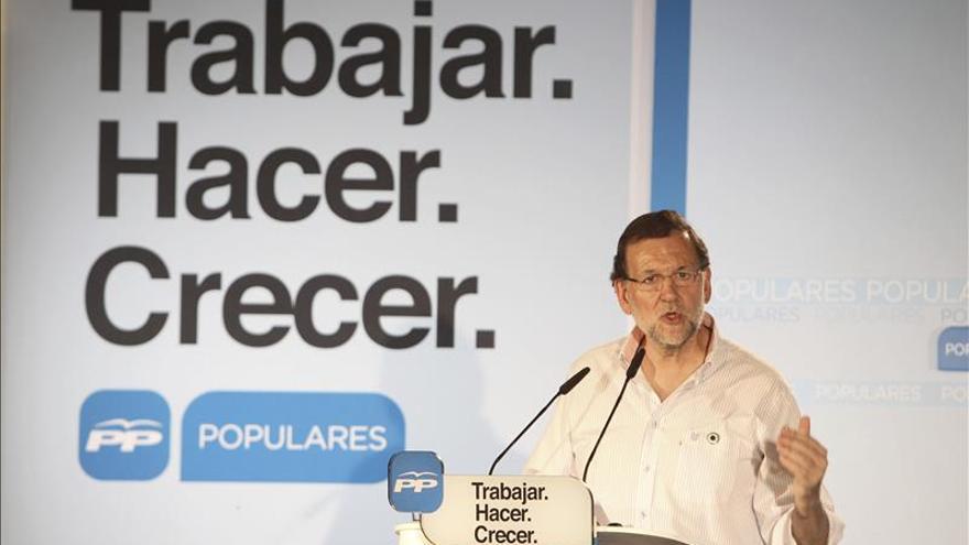 Rajoy subraya que Monago ha sabido gobernar sin mayoría y volverá a ganar