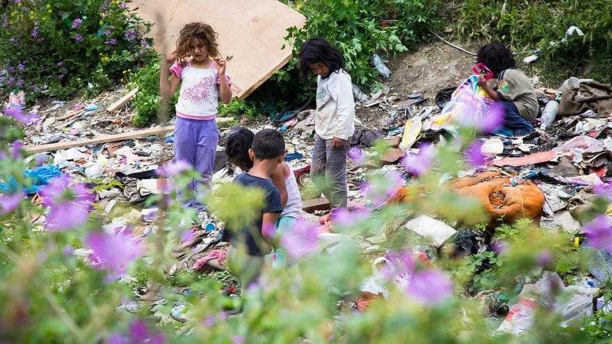 Un asentamiento de romaníes apátridas en Skopje, Macedonia. Algunos de sus residentes asistieron a un taller del ACNUR sobre apatridia.