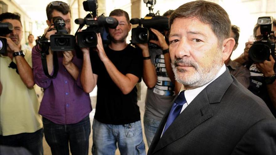 Ordenan embargar a Guerrero los 26.565 euros que le ingresó la Junta
