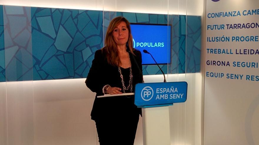 """Sánchez Camacho minimiza las críticas de Aznar al Gobierno de Rajoy y pide """"remar en la misma línea"""""""