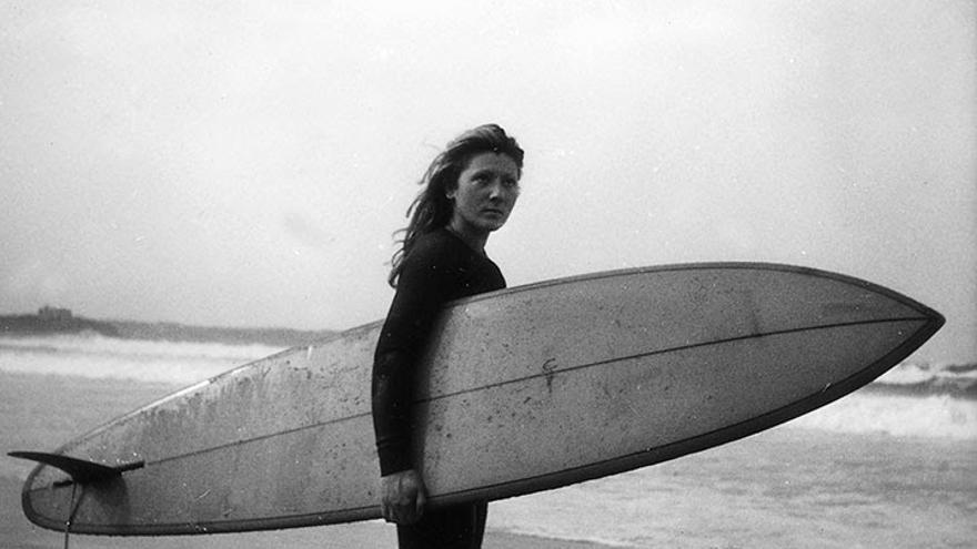 La veterana surfista cántabra Laura Revuelta recibirá un homenaje en la playa de Somo el día 21