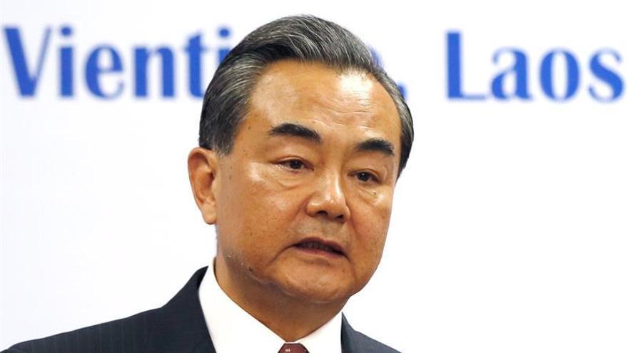 Los ministros de Exteriores chino y norcoreano celebran su primera reunión en dos años