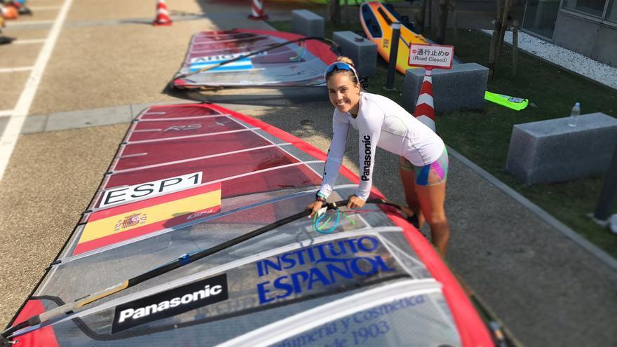 La windsurfista Blanca Manchón.