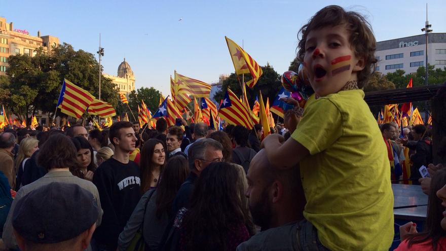 Concentración en Plaza Catalunya a favor de la república. /ENRIC CATALA