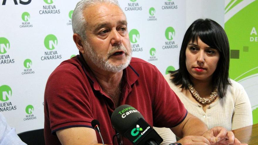 Argelio Hernández se muestra crítico con la obra de la carretera del norte.