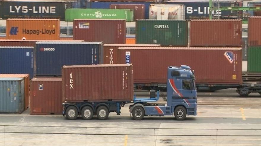 Comienzan los paros en los puertos convocados por los estibadores para las próximas tres semanas