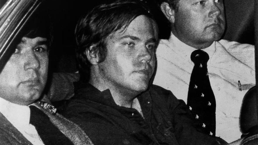 Ordenan la liberación del hombre que intentó matar a Ronald Reagan en 1981