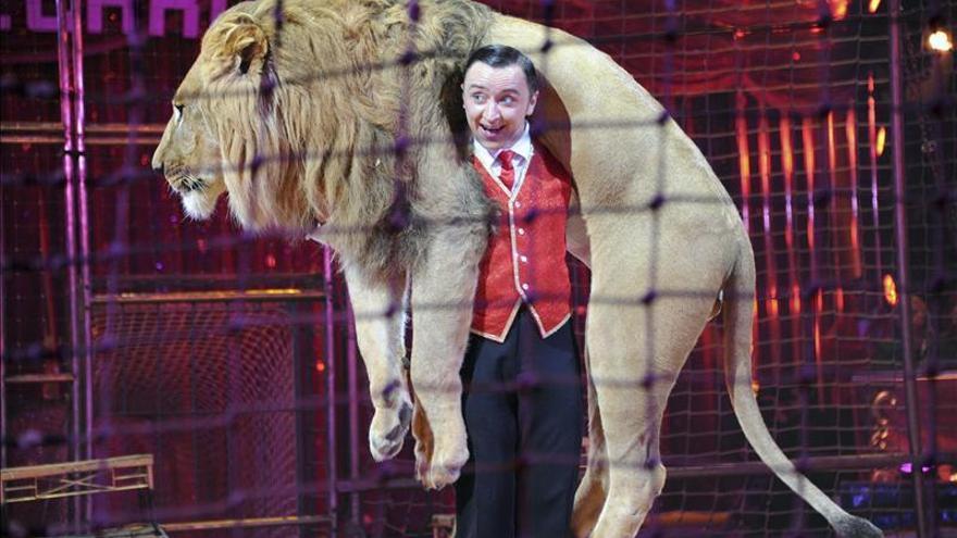 145 Representantes del circo y la cultura apoyan el circo con animales