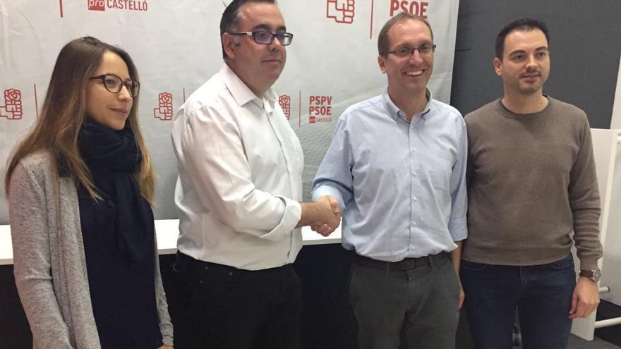 Los candidatos a liderar el PSPV de la provincia de Castellón, Ángel Badenas y Ernest Blanch, sellan su alianza.