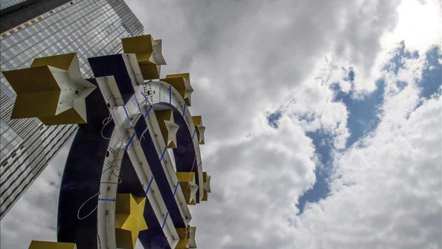 La banca europea mejora su capitalización en 2015 pero persiste el riesgo