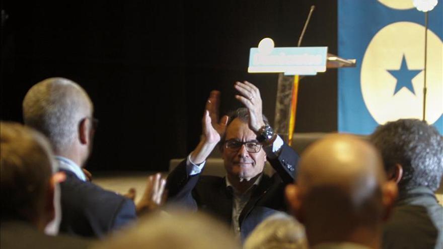 "Castellà (Demòcrates) pide ""dejar la parte para ganar el todo"" e investir a Mas"