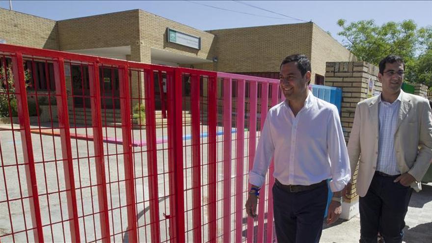 """Moreno ve """"esperpéntico"""" que Díaz esté diez días sin negociar su investidura"""