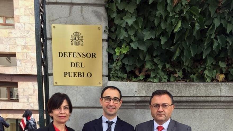 """El PSOE pide la intervención del Defensor del Pueblo por la """"reclusión"""" de inmigrantes en Archidona"""