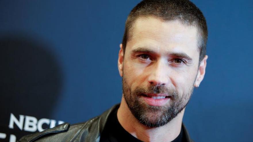 El actor Matías Novoa dice que no justifica a los narcos en serie de Telemundo