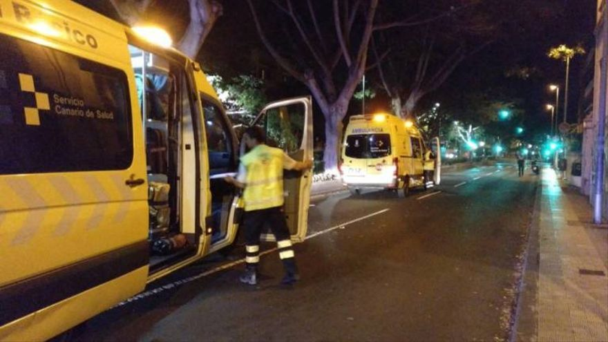Ambulancias en el lugar de los hechos, esta madrugada en Santa Cruz