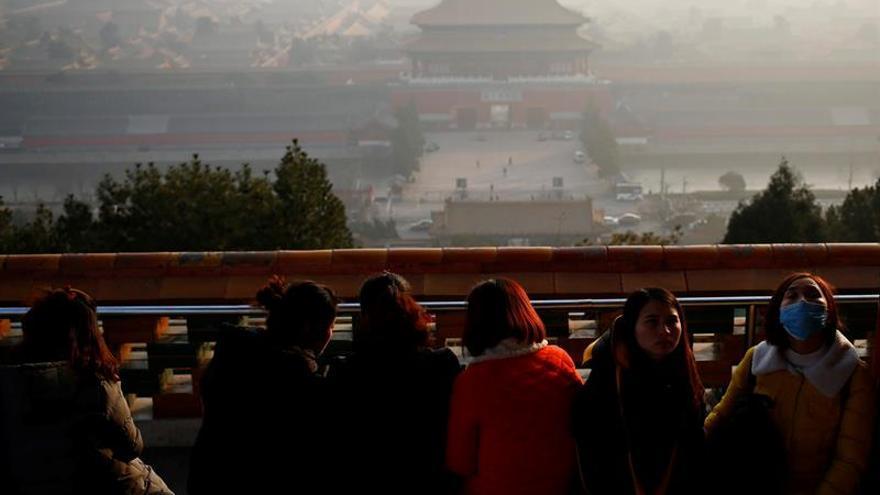"""Pekín levanta la alerta roja después de cinco días envuelta en """"esmog"""""""