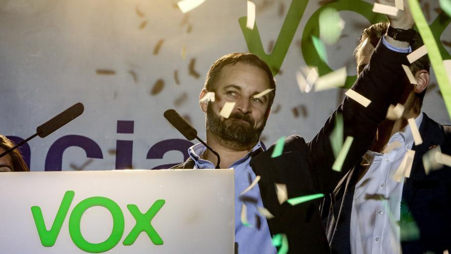Vox irrumpe con 24 diputados en el Congreso, pero no será la fuerza decisiva que auguraba el éxito de su campaña