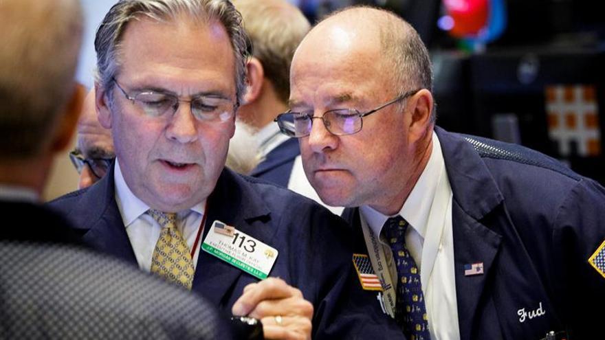 Wall Street avanza a media sesión y el Nasdaq sube un 1,23 %